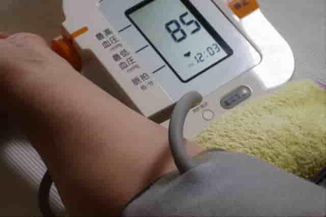 血圧測定は寝たまま