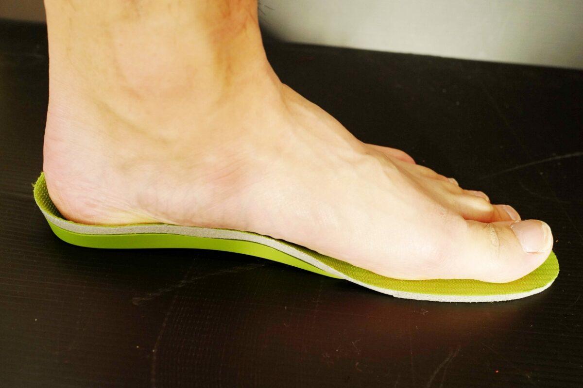 正しい靴の選び方 靴の中敷き(インソール)のフィッティング